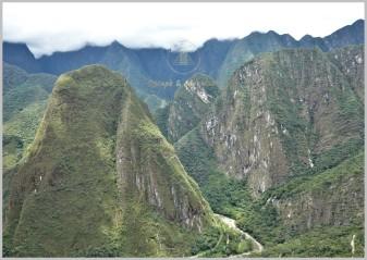 Putucusi (2,560m) (Left) - Andes, Peru
